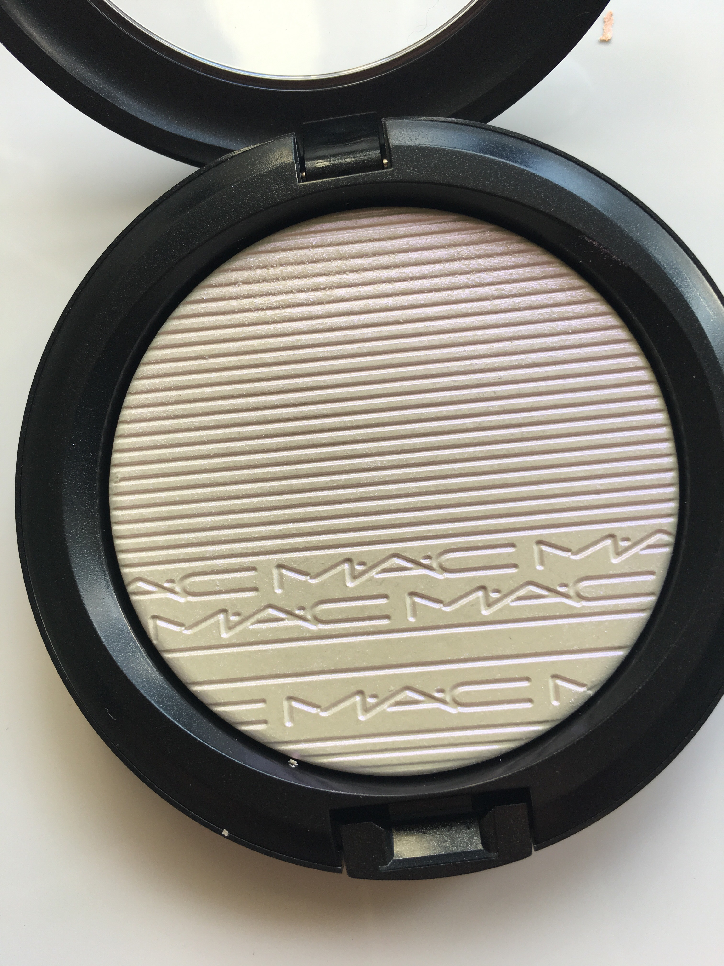 mac double gleam highlighter review